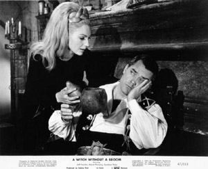 Maria Perschy and Jeffrey Hunter in Witch Without a Broom