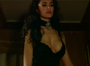 Maria Grazia Cucinotta in High Risk