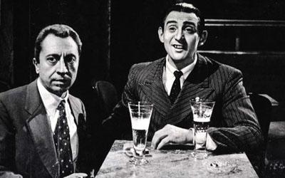 Aroldo Tieri and Walter Chiari in I maniaci
