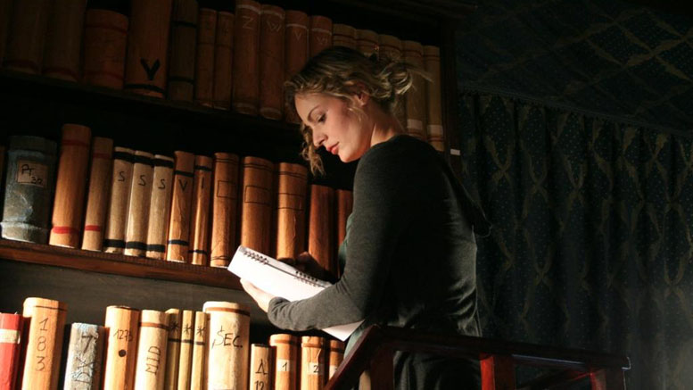 Ivana Miño in Night of the Sinner