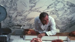 Ugo Tognazzi ddisplays his meat in Property Is No Longer Theft